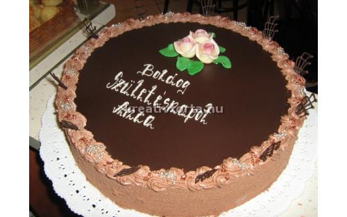 Csokoládé torta ALK2062 - erre az alkalmi torta kódra hivatkozzon! Telefon: +36 1 318 8315