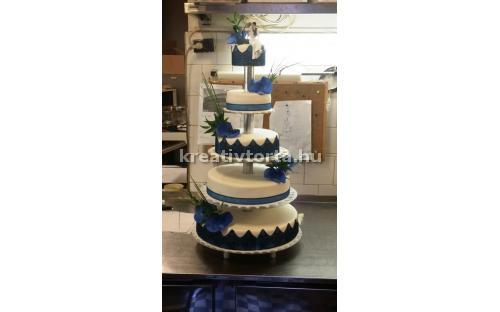 ESK2091 -  erre az esküvői torta kódra hivatkozzon!