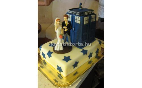 ESK2093 -  erre az esküvői torta kódra hivatkozzon!