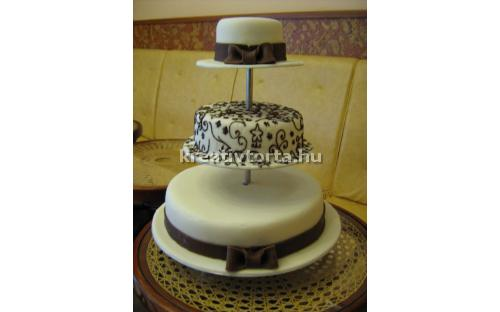 ESK2040 -  erre az esküvői torta kódra hivatkozzon!